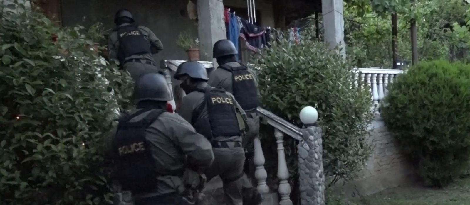 Slider-Xüsusi əməliyyat: Oğru dünyası ilə əlaqəli 13 nəfər saxlanıldı - VİDEO