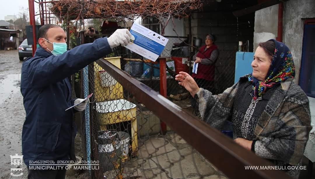 Slider-Marneulidə koronavirusla bağlı Azərbaycan dilində məlumatlandırıcı vərəqələr paylanılır - FOTO