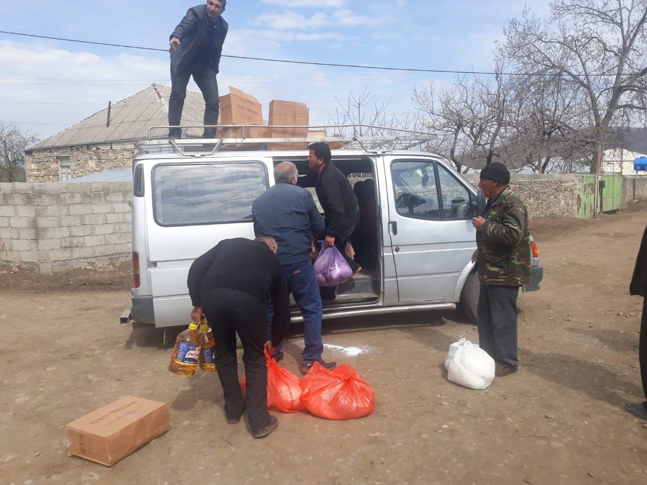 Slider-Bolnisidə karantinə alınan Kvemo Bolnisi (Kəpənəkçi) kənd sakinlərinə ərzaq yardımı edildi - FOTO