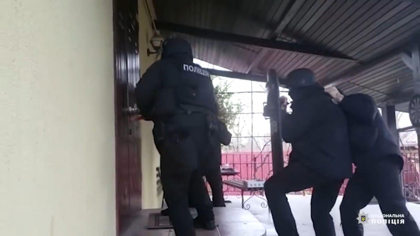 Slider-Polis gürcüstanlı oğru dünyasının iki üzvünü saxladı - VİDEO