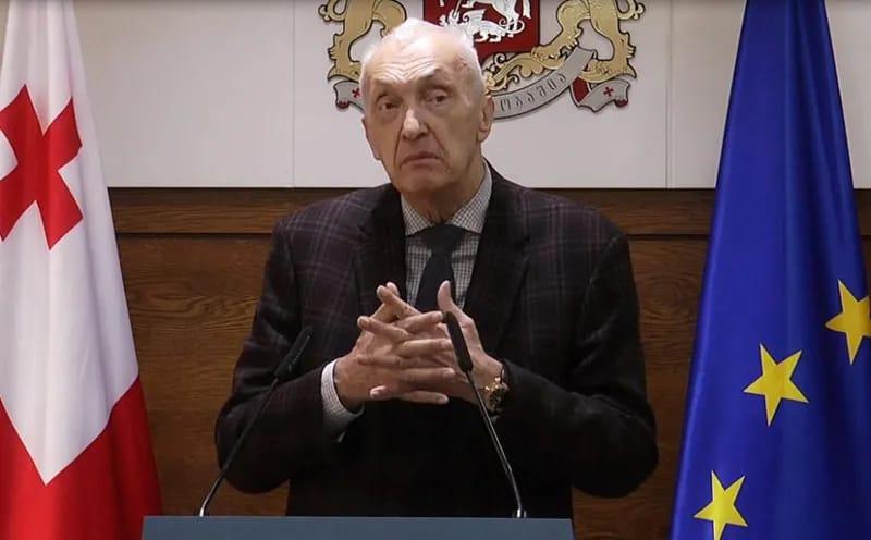 """Slider-Professor: """"Gürcüstan epidemiyanın pik həddini yavaş-yavaş və minimal itkilərlə keçəcək"""""""