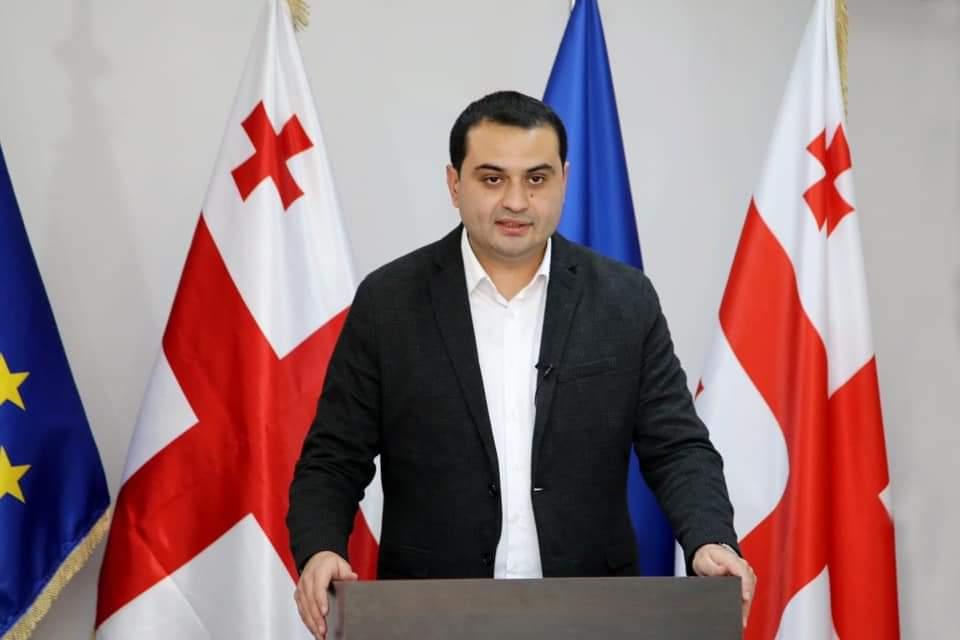 """Slider-Zaur Darğallı: """"Bu gün Marneuliyə səkkiz yük maşını girəcək"""""""