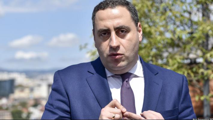 """Slider-Vaşadze: """"Kreditlərin ve faizlərin ödənməsi olduğu halda  banklar xalqa faizlərin faizini ödətdirir"""""""