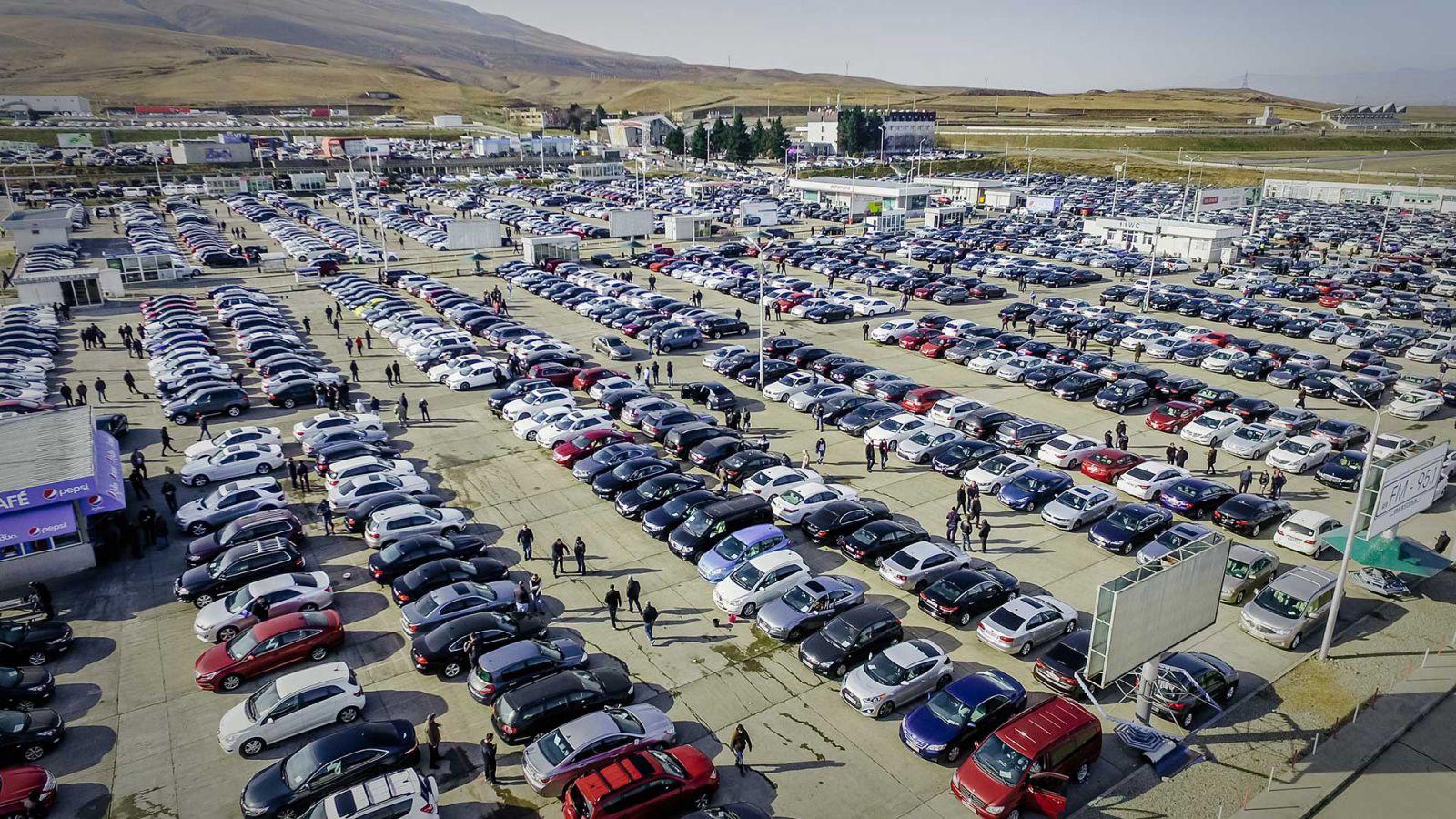 Slider-Gürcüstanın Rustavi avtomobil bazarı bu tarixdən açılır