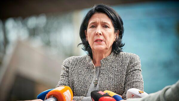 Slider-Salome Zurabişvili bütün bunlardan yorulduğunu dilə gətirdi